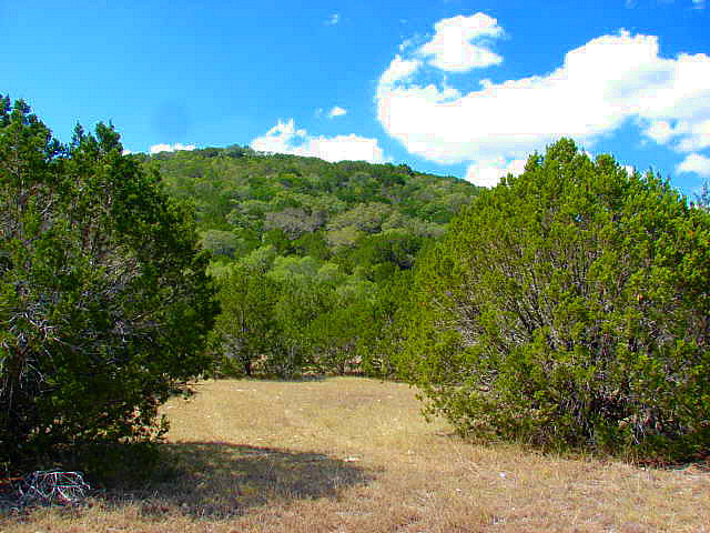 32 Indian Creek Rd, Leakey, TX 78873