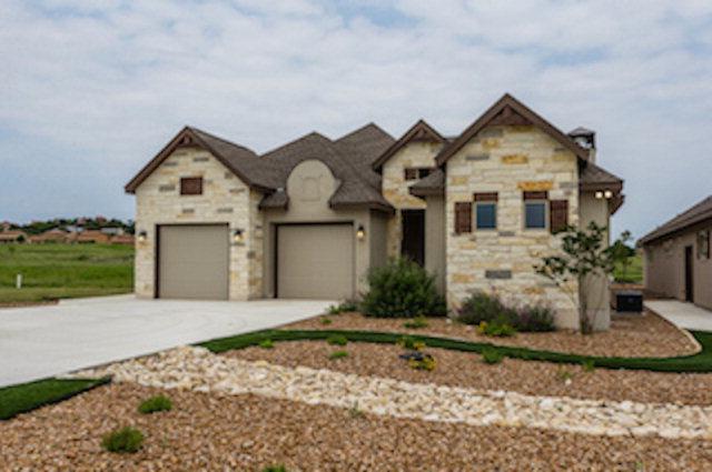 3152 Pinnacle Club Dr, Kerrville, TX 78028