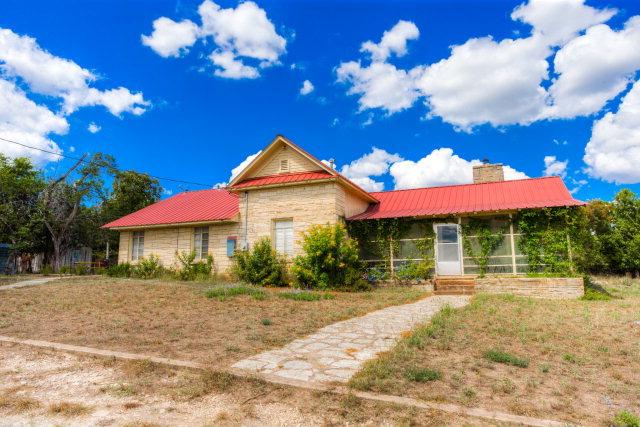 1010 Harper Rd, Kerrville, TX 78028