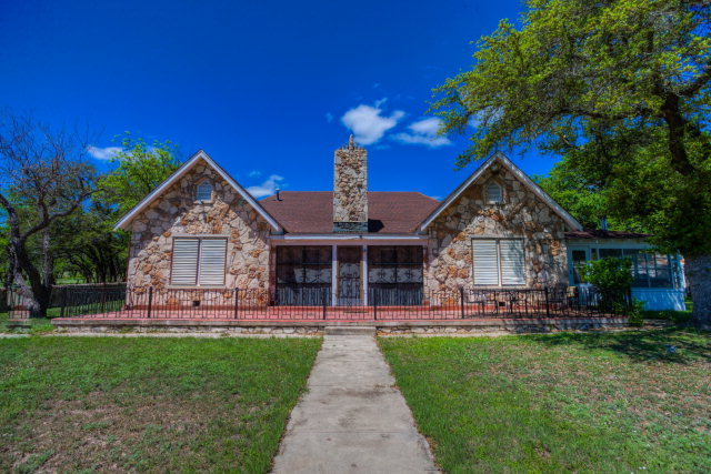 26624 X Out Ranch Road, Rocksprings, TX 78880