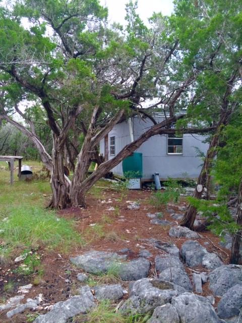 2348 n Pole Cave Creek Rd, Leakey, TX 78873