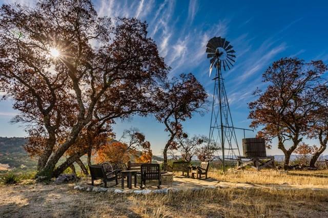 1634 N Faris Ranch Road, Bandera, TX 78055