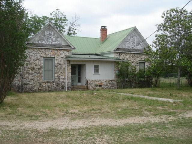 835 North Creek Rd, Comfort, TX 78013