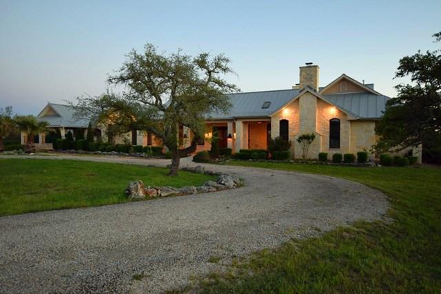 1392 N Whiskey Canyon, Kerrville, TX 78028