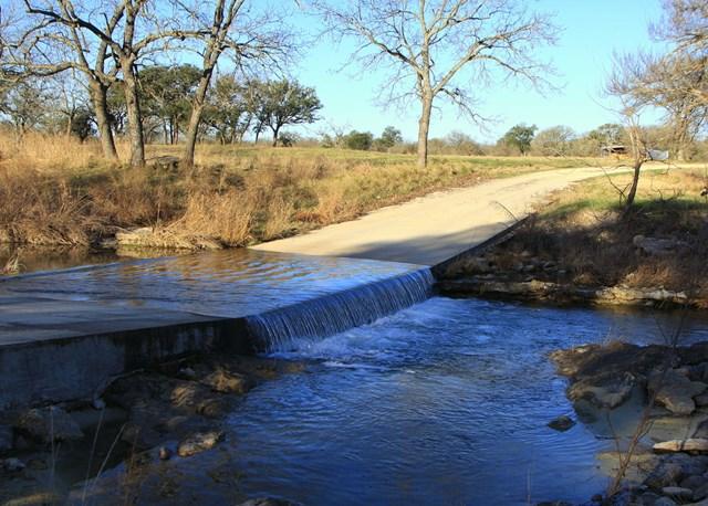 1377 -- White Oak Rd, Fredericksburg, TX 78624