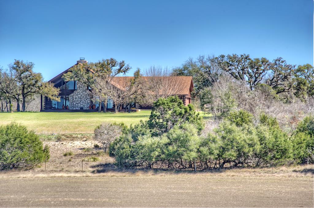 3166 Cypress Creek Rd, Comfort, TX 78013