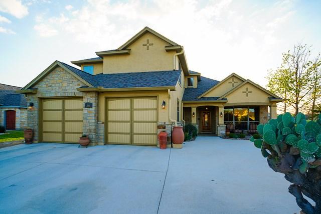 2913 E Rock Barn Dr, Kerrville, TX 78028