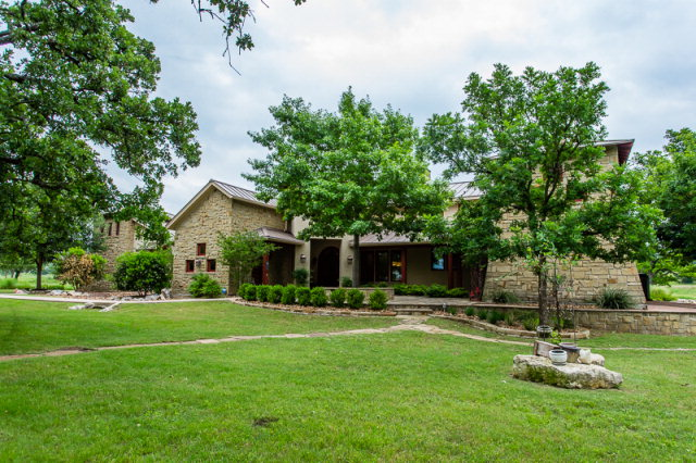 4204 Stone Creek Circle, Kerrville, TX 78028