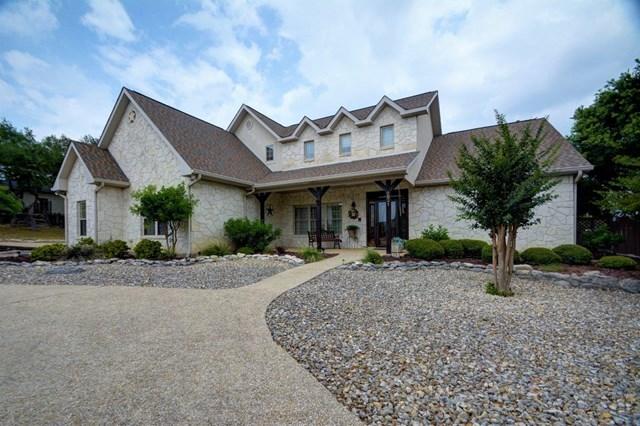 2021 Crown Ridge Dr, Kerrville, TX 78028