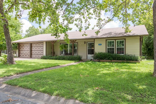 420 N Leland St, Kerrville, TX 78028