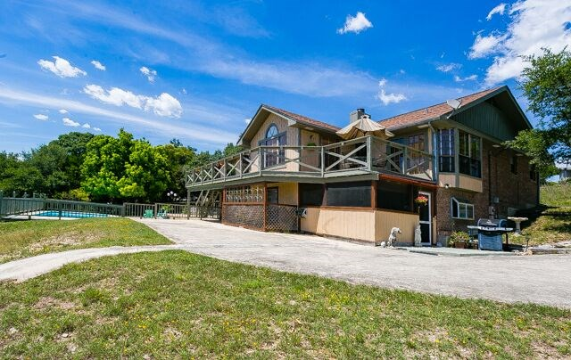 324 S  Rock Ridge Rd, Kerrville, TX 78028