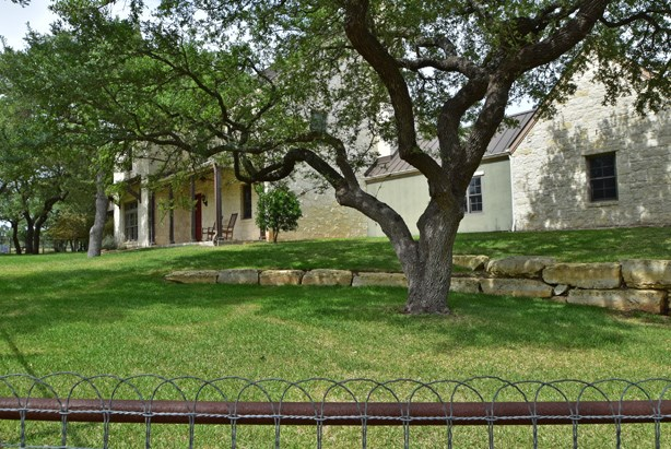 270 Cool Water Ranch Rd, Fredericksburg, TX 78624