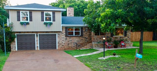 704 Mockingbird Lane, Kerrville, TX 78028