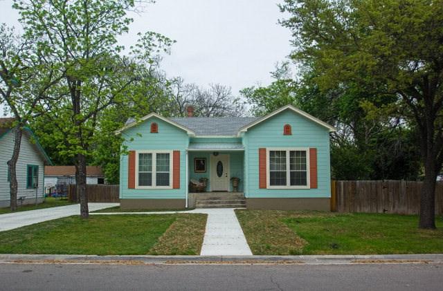 1304 Park St, Kerrville, TX 78028