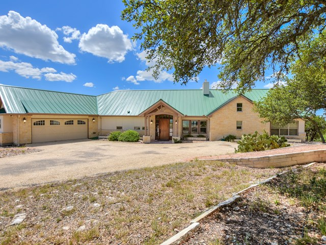 276 S South Fork E, Comfort, TX 78013