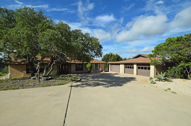 135 View Point, Kerrville, TX 78028