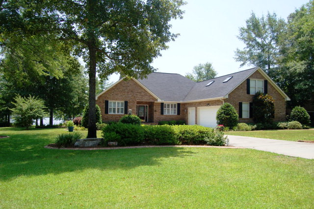 205 RIDGE LAKE DRIVE Manning SC 29102