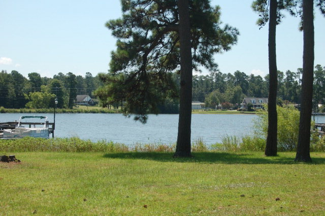 2112  Lake Shore Dr. Manning, SC 29102