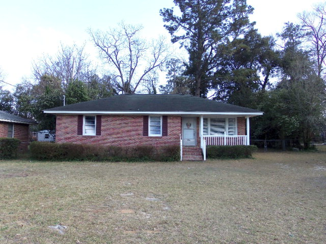 1826  W Oakland Ave Sumter, SC 29150