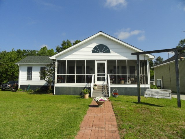 1429  Blackberry Bush Rd Summerton, SC 29148