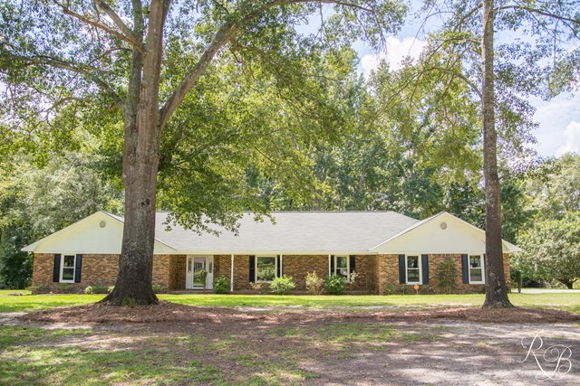 2630  Carriage Dr Sumter, SC 29154