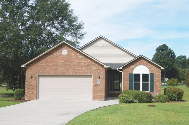 512  Oak Hill Drive Manning, SC 29102