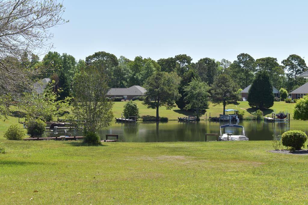 43 North Lake Cr. Manning, SC 29102