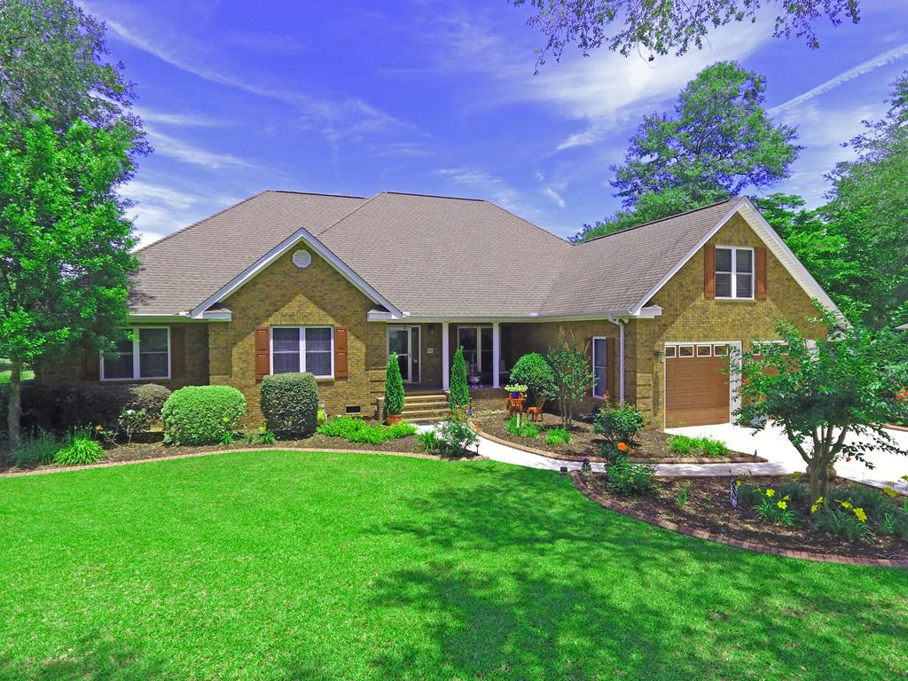 25 Fairway Dr Manning, SC 29102