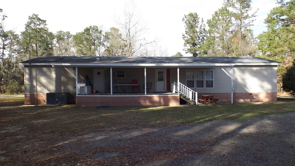 1160 MOCKINGBIRD LANE Manning, SC 29102