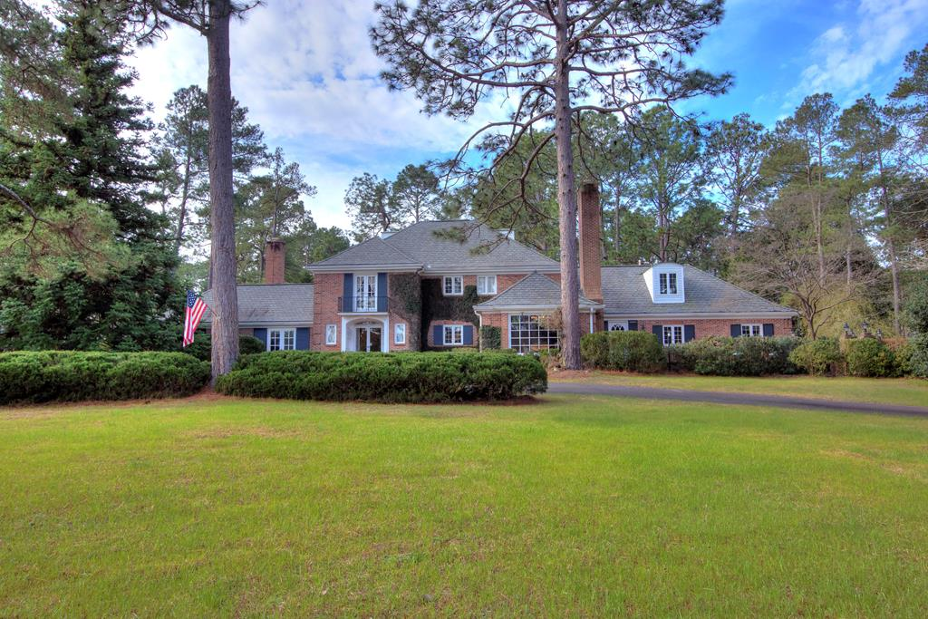 930 Burnt Gin Road Wedgefield, SC 29168