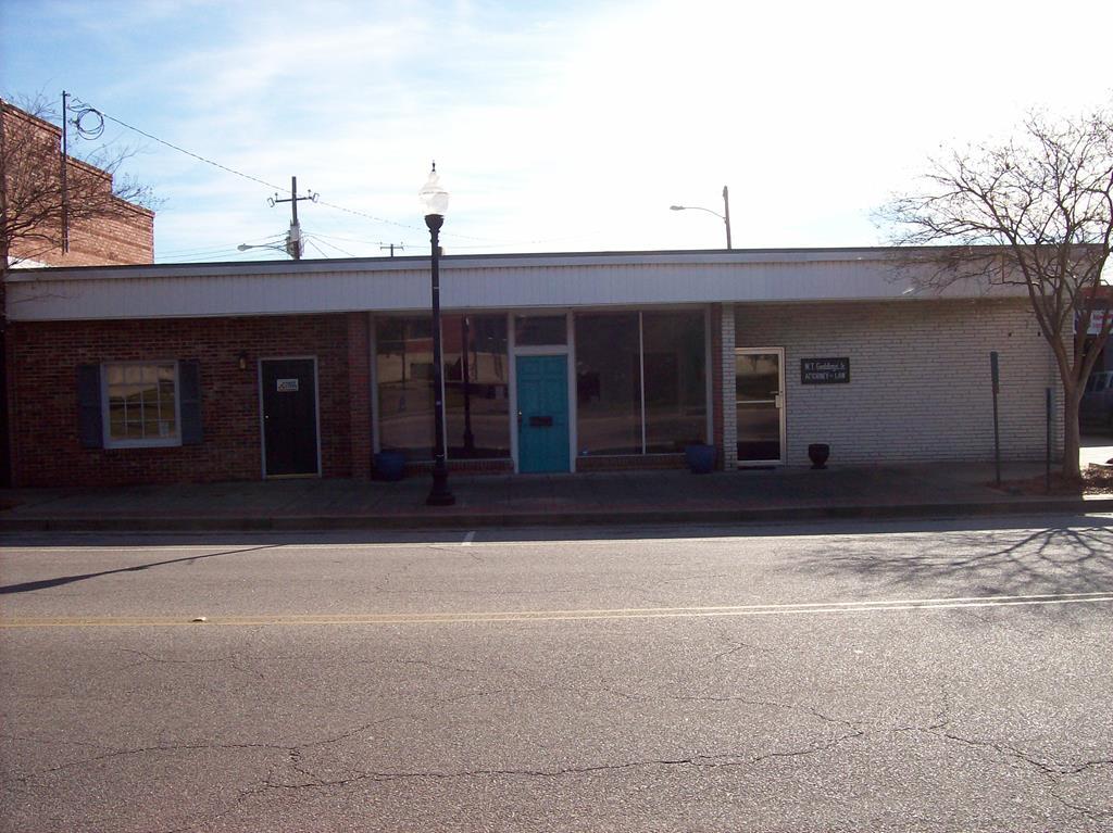 16,18,20 South Brooks Street Manning, SC 29102