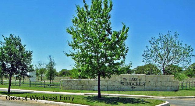 880 W Windcrest Dr, Fredericksburg, TX 78624