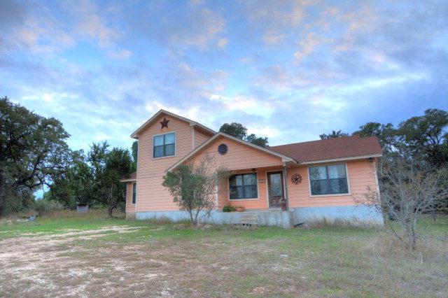 718 Alamo Rd, Fredericksburg, TX 78624