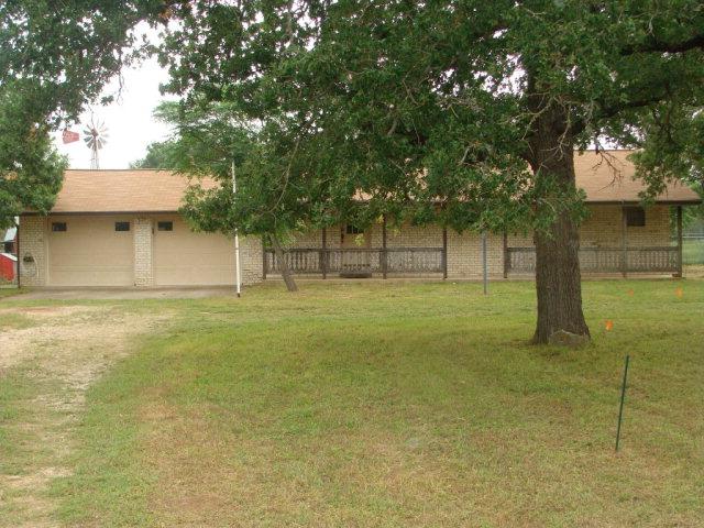 347 S Woodland Dr, Fredericksburg, TX 78624