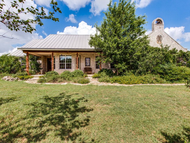 1770 Logans Way, Blanco, TX 78606