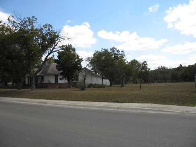 333 Guadalupe St, Kerrville, TX 78028