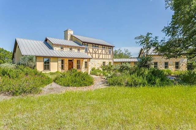 200 Promontory Point, Fredericksburg, TX 78624