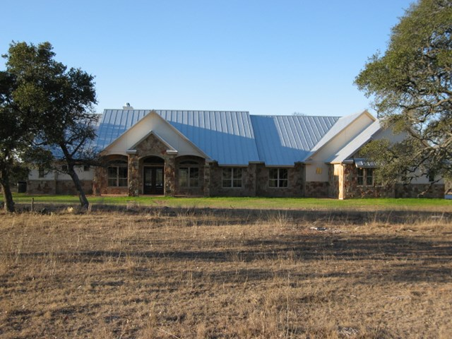187 Dally Rd, Fredericksburg, TX 78624