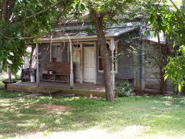 311 E Travis St, Fredericksburg, TX 78624