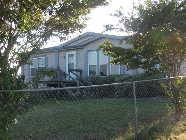 187 County Rd 116, Llano, TX 78643
