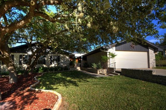 2106 Trailwood Circle, Kerrville, TX 78028