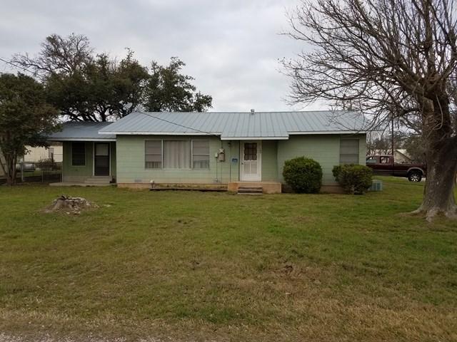 204 Oak Ave, Harper, TX 78631