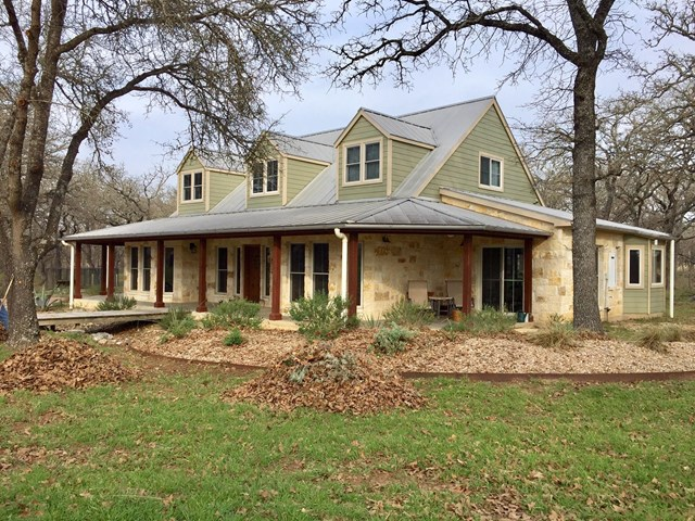 943 Woodland Dr, Fredericksburg, TX 78624