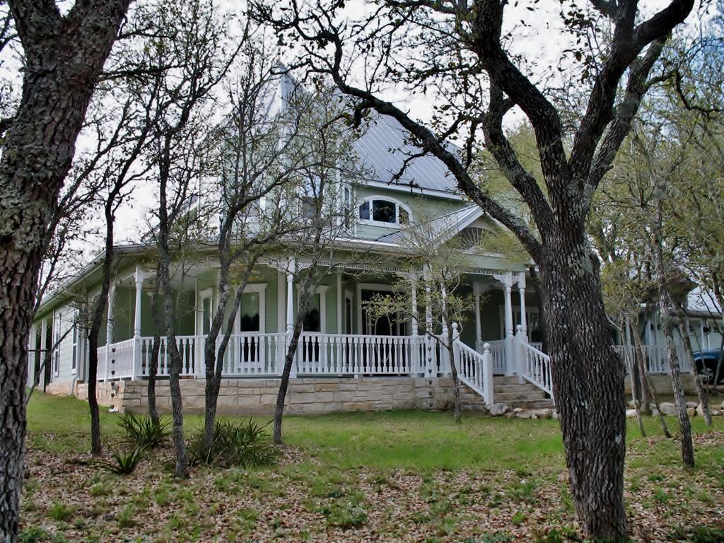 109 Abierto Cove Dr, Blanco, TX 78606