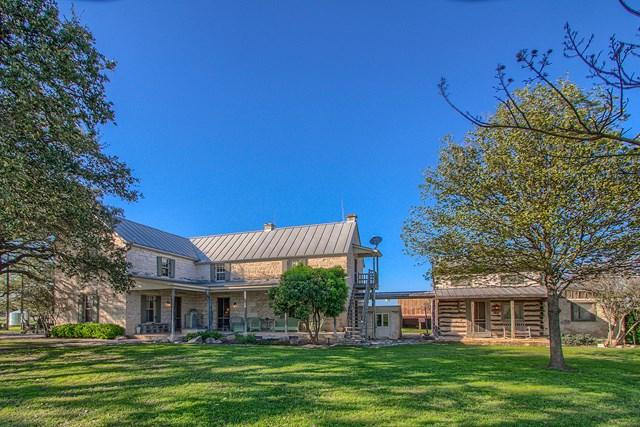 575 Buckeye Rd, Fredericksburg, TX 78624