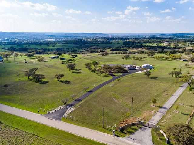 234 Creekwood Rd, Kerrville, TX 78028