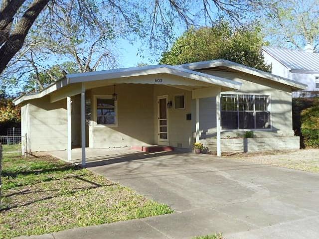 603 W Schubert St, Fredericksburg, TX 78624