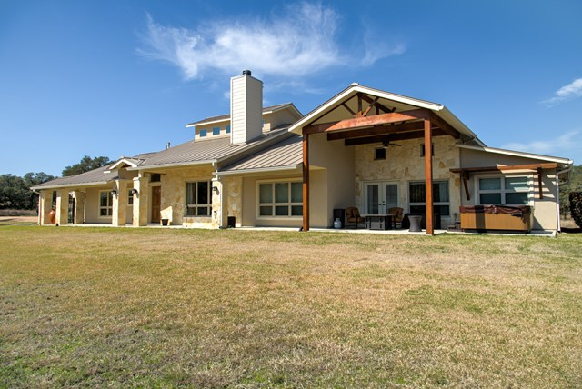 426 W Preiss Ranch Rd, Blanco, TX 78606