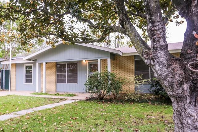 813 N Edison St, Fredericksburg, TX 78624
