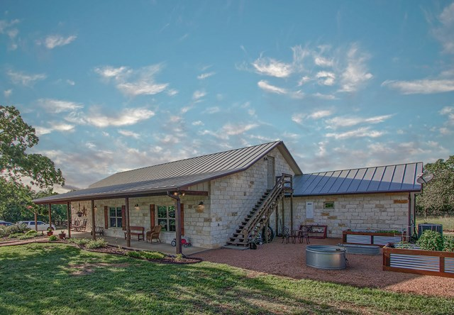 151 Hill Top Dr, Fredericksburg, TX 78624